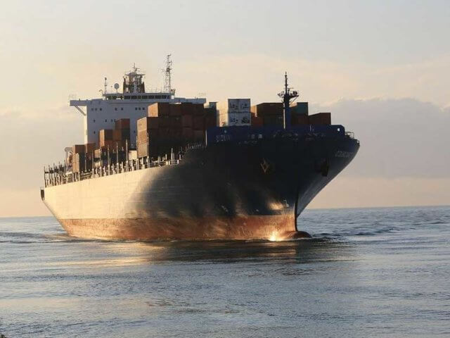 freighter-315201_1280-640x480.jpg